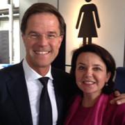 Saskia Brenninkmeijer met Mark Rutte op de foto